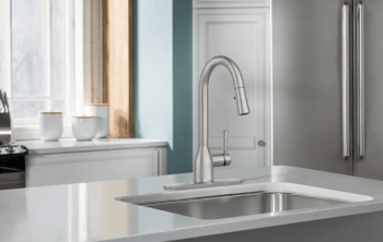 How Do Pull-Out And Pull-Down Kitchen Faucets Differ